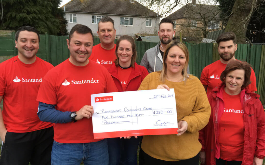 Santander Team help at The Ronkswood Hub